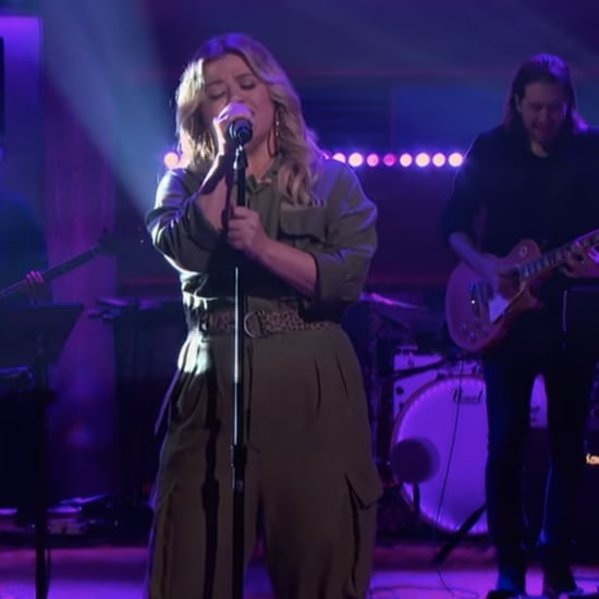 "Watch Kelly Clarkson Cover Billie Eilish's ""My Future"""