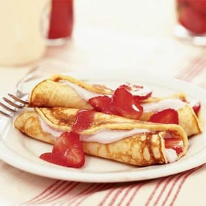 Strawberry Pancake Roll-Ups