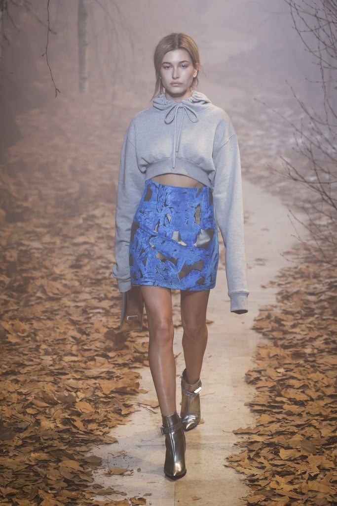 Hailey Baldwin Walking in the F/W 2017/2018 Show