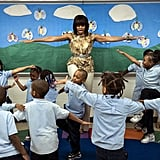 Michelle Obama did exercises with the students of Savoy Elementary School.