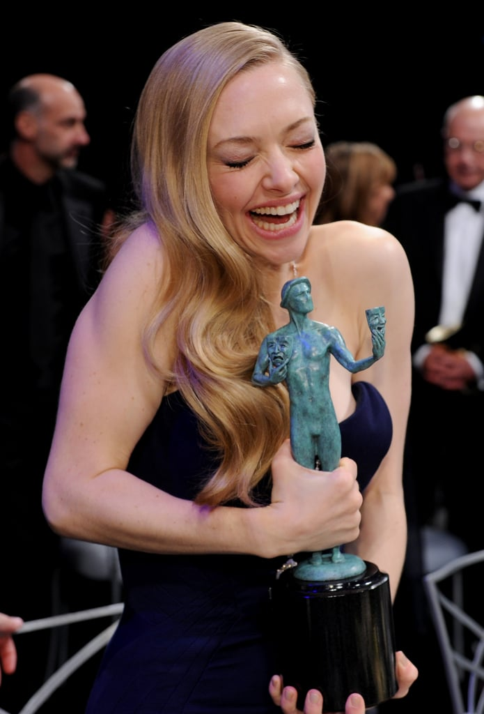 Amanda Seyfried had fun with a SAG Award.
