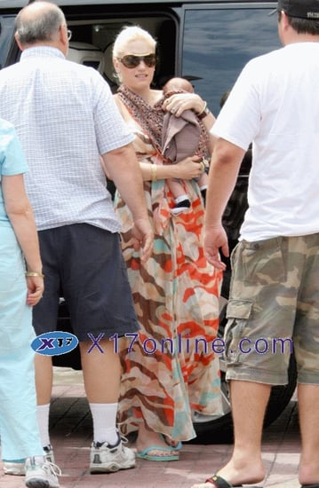 Gwen Stefani is a Chic Mama - Get her Look!