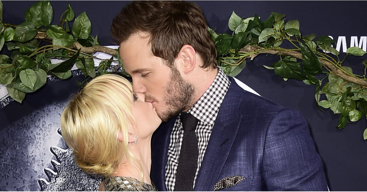 Chris Pratt And Anna Faris Show Sweet Pda At The Jurassic