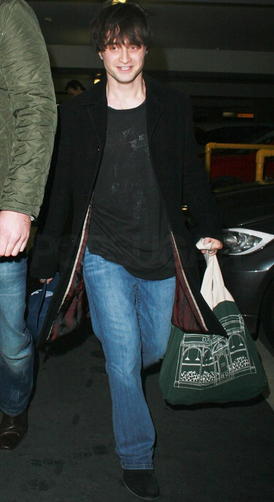 Pictures of Daniel Radcliffe At Heathrow After NY Harry Potter Promotion, Watch Video of Daniel Radcliffe on Jimmy Fallon's Show
