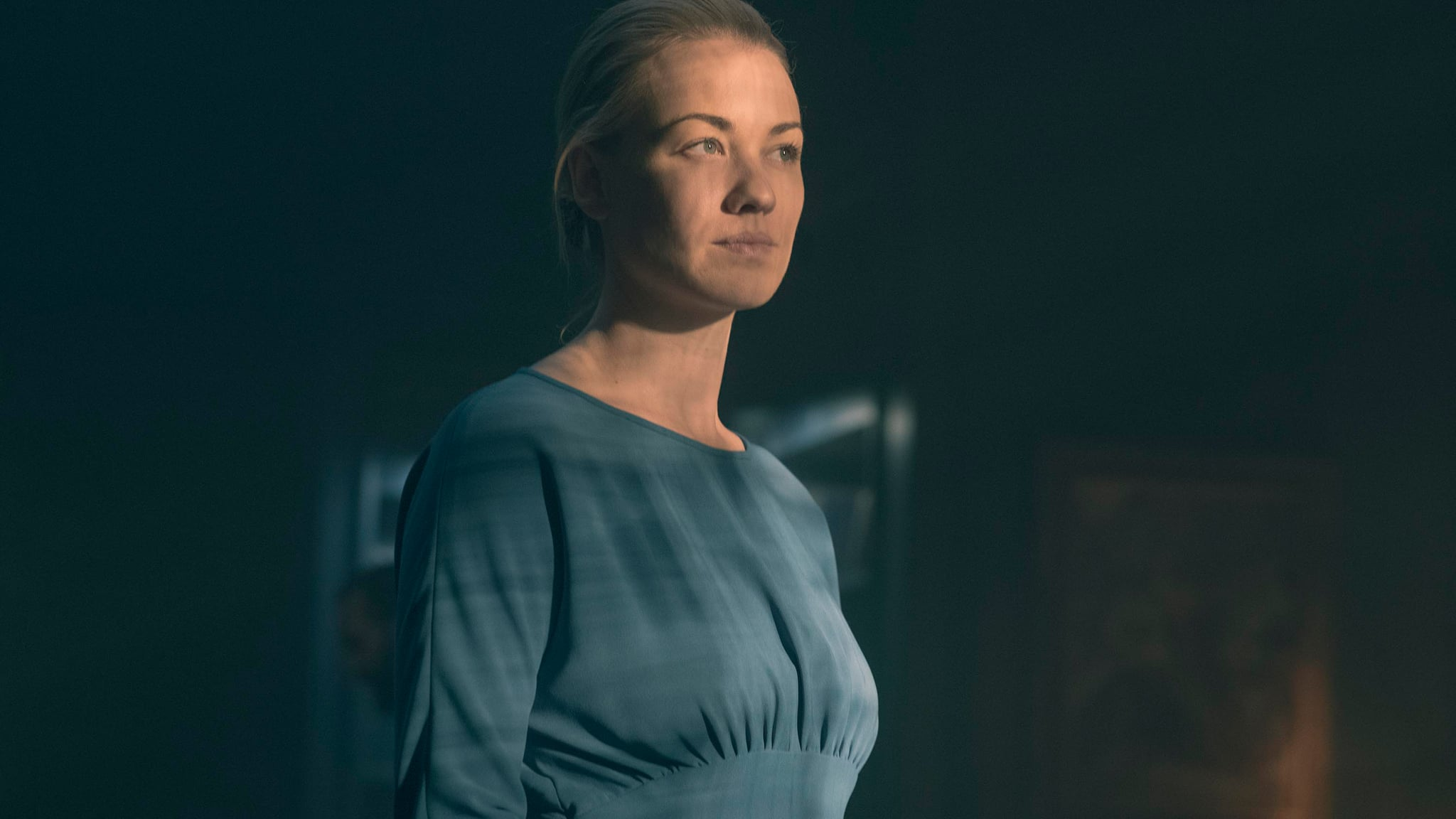THE HANDMAID'S TALE, Yvonne Strahovski, 'Women's Work', (Season 2, ep. 208, aired June 6, 2018). photo: George Kraychyk / Hulu / courtesy Everett Collection