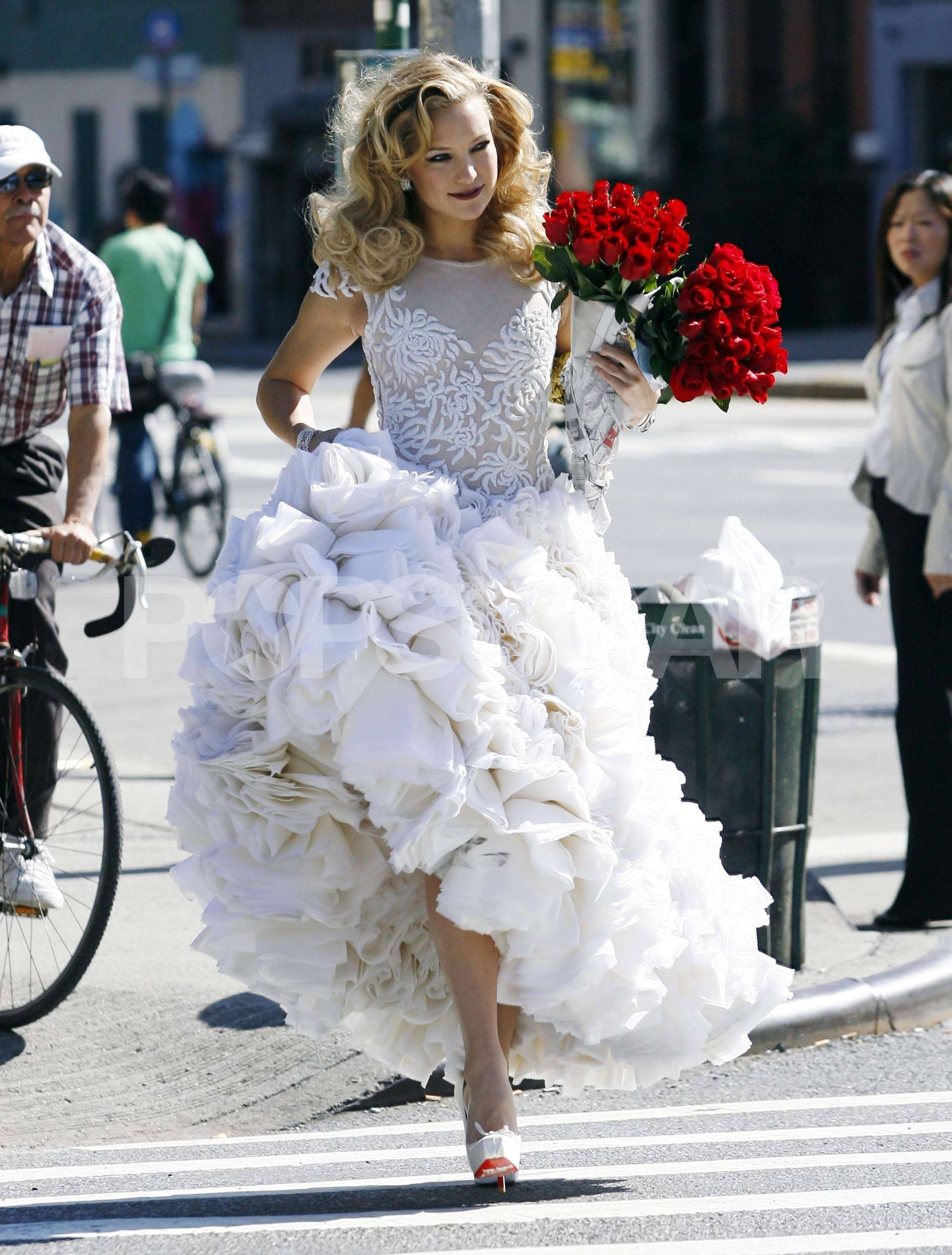 Photos of Kate Hudson in A Wedding Dress For Photo Shoot in NYC ...