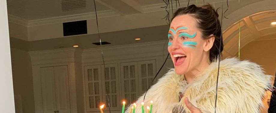 Jennifer Garner Dresses Up For Son's Birthday