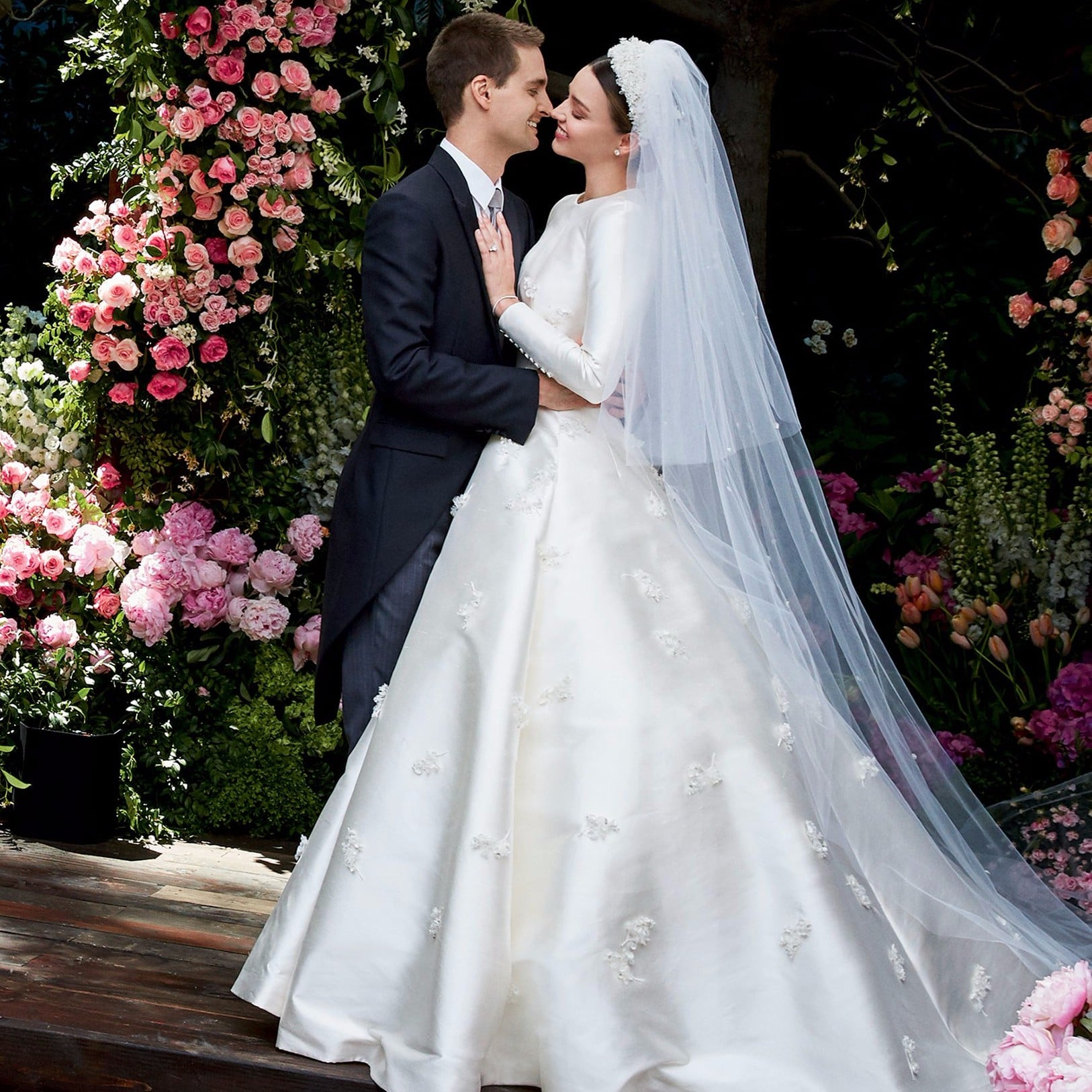 Miranda Kerr Wedding Dress.Miranda Kerr Wedding Pictures Popsugar Celebrity