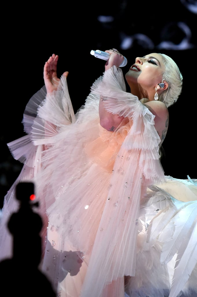 lady gagas pink performance dress at the grammys 2018