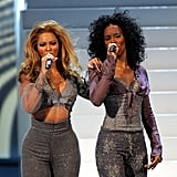 Bey and Kelly flaunted their curves on stage at the 2004 Radio Music Awards.