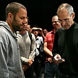 Jack Johnson Checks Out a Nano With Steve
