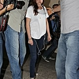 Kristen Stewart walked out of the airport.