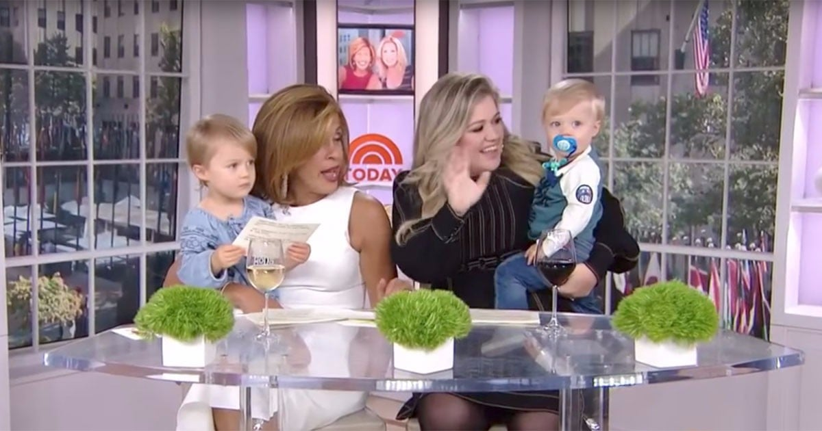 Kelly clarkson and her kids on today show popsugar for How many kids does kelly clarkson have