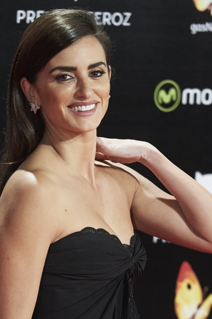Penélope Cruz Proves the Enduring Power of the Nighttime LBD