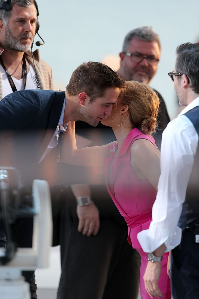 Robert Pattinson leaned in during a sweet chat with Kylie Minogue.