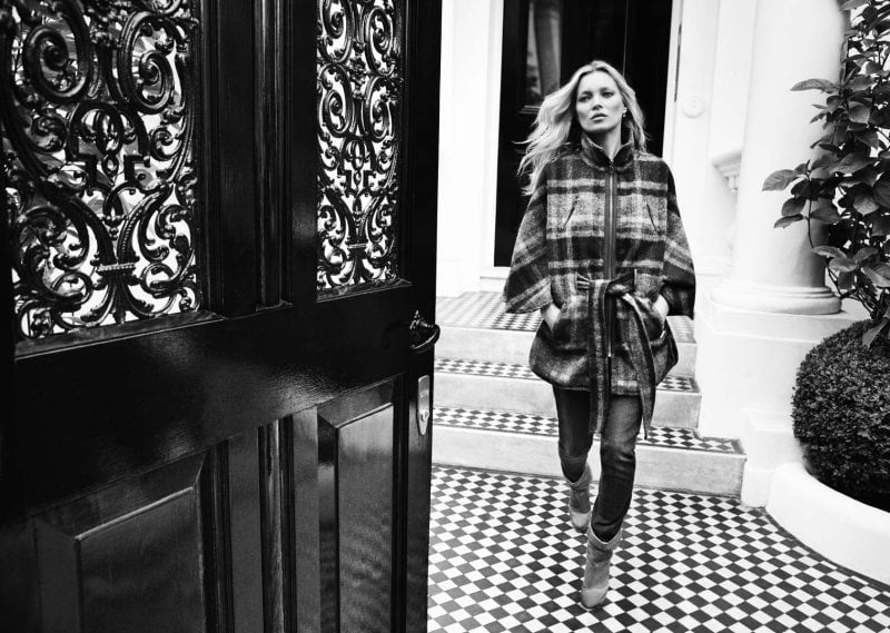 Skinny jeans mixed with comfy plaid outerwear take a front seat in Liu Jo's Fall campaign.