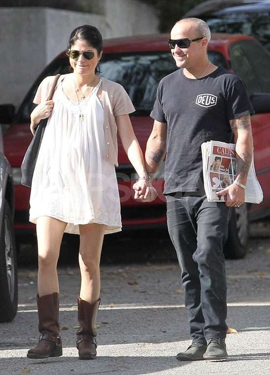 Selma Blair smiled in the sun with her fashion designer boyfriend Jason Bleick in LA yesterday. The actress announced her pregnancy late last week, joining the ranks of several other expectant mums. The couple have been dating for about a year, after they met collaborating for EVER, the fashion line of which Jason is founder and creative director.