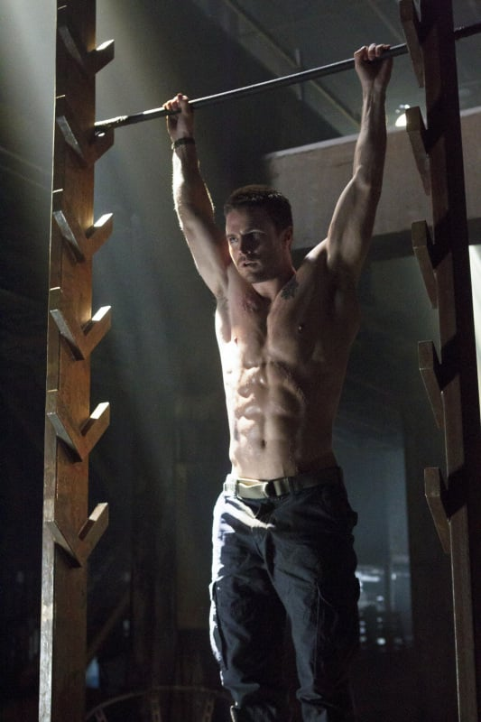 Stephen Amell Pictures on Arrow