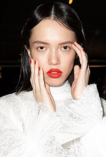 6 Winter Makeup Trends Worth Trying in 2021