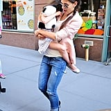 Katie Holmes gave Suri Cruise a lift.