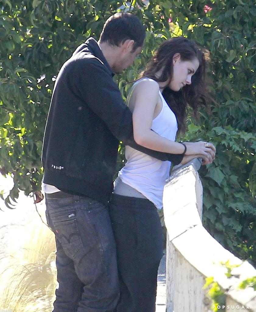 Rupert Sanders cuddled up to Kristen Stewart outside.