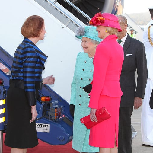Prime Minister Julia Gillard Doesn't Curtsey to Queen