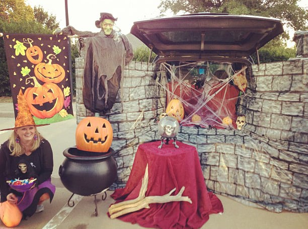 Witch S Kitchen Trunk 55 Thrilling Trunk Or Treat Ideas