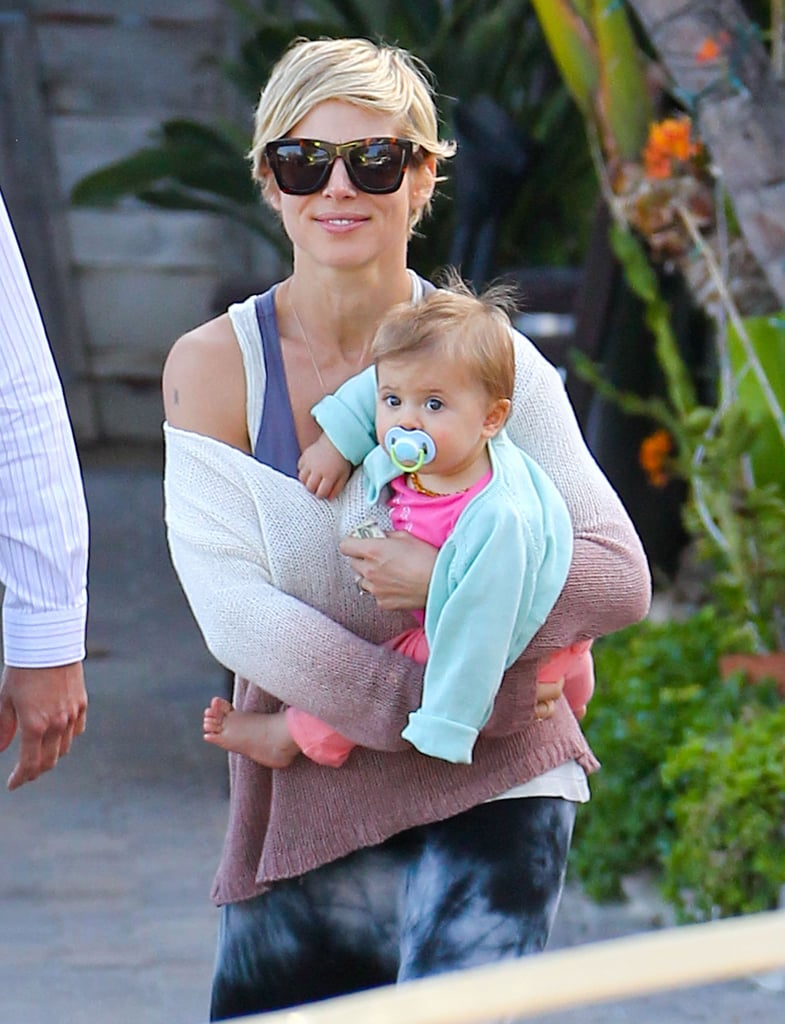 Elsa Pataky carried India in LA during a Sunday grocery stop.