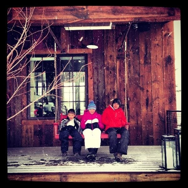 Kelly Ripa's kids spent the holiday in a snowy ski lodge. Source: Lockerz user kellyripa