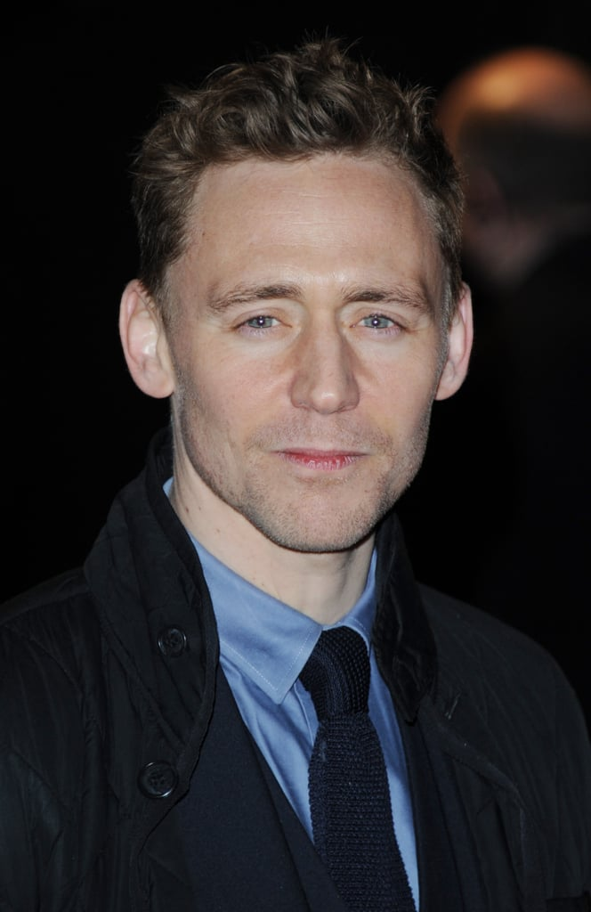 Tom Hiddleston wore a simple suit.