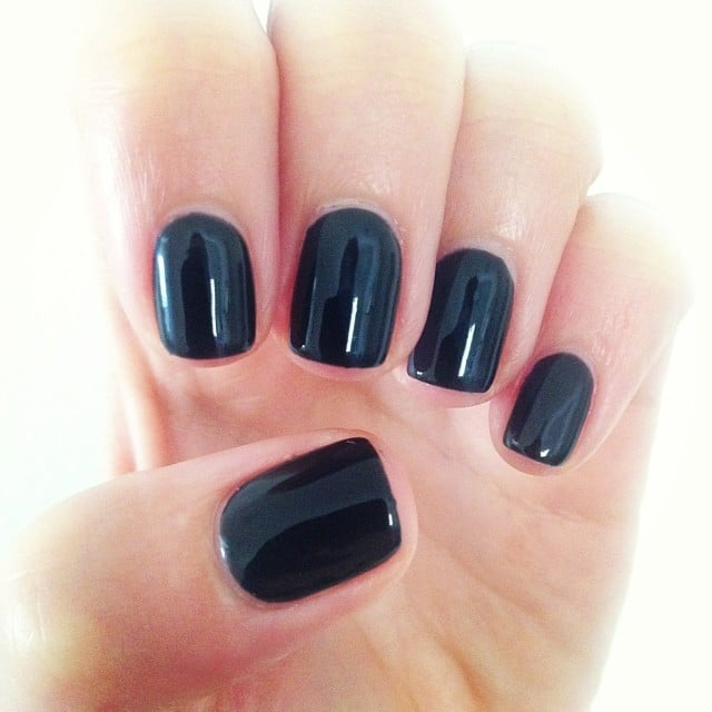 Publisher Alison tried black Shellac for the first time, and we were unanimous in our love for the finished product!