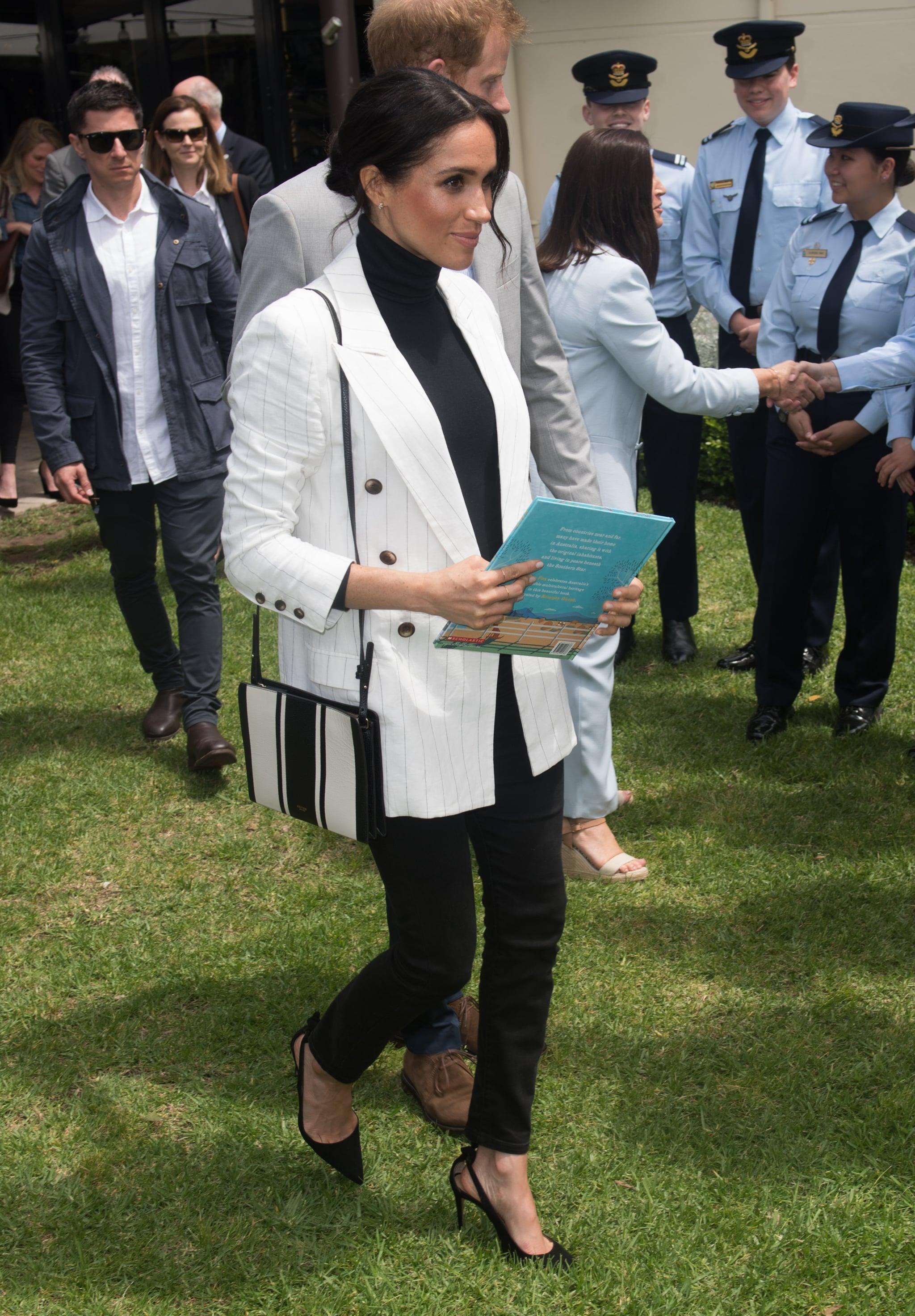 Agnes Gray Pinchazo Móvil  Meghan Markle Wears Veja Sneakers October 2018 | POPSUGAR Fashion Australia