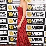 Naomi Watts Makes a Glamorous Carpet Stop in Red