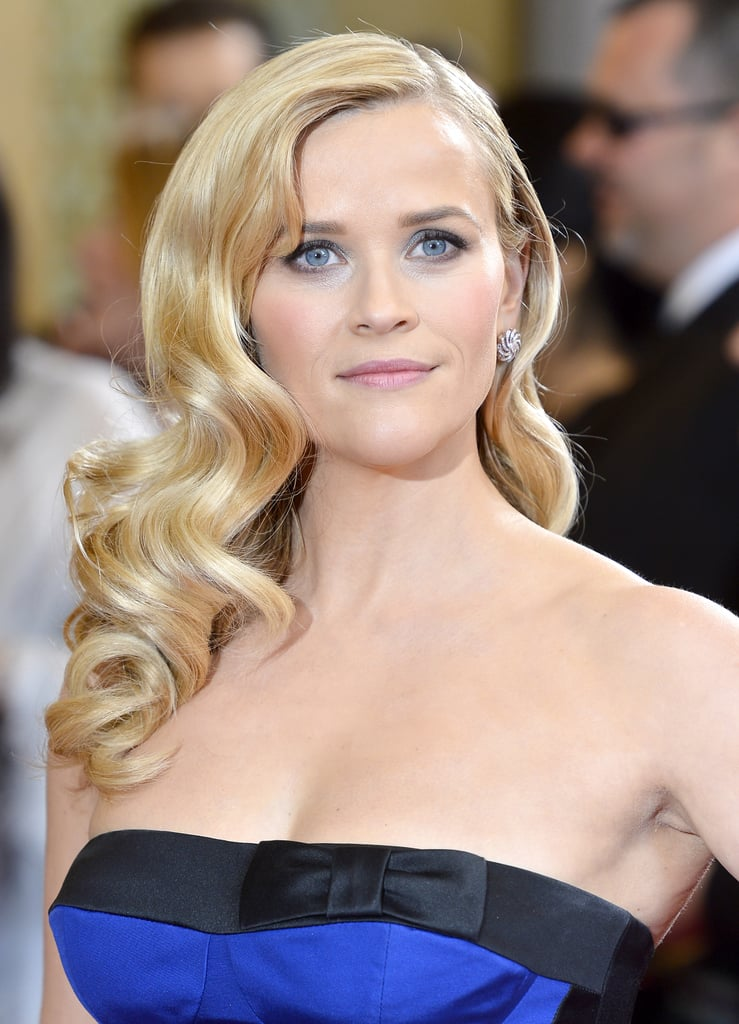 Reese Witherspoon on the red carpet at the Oscars 2013.