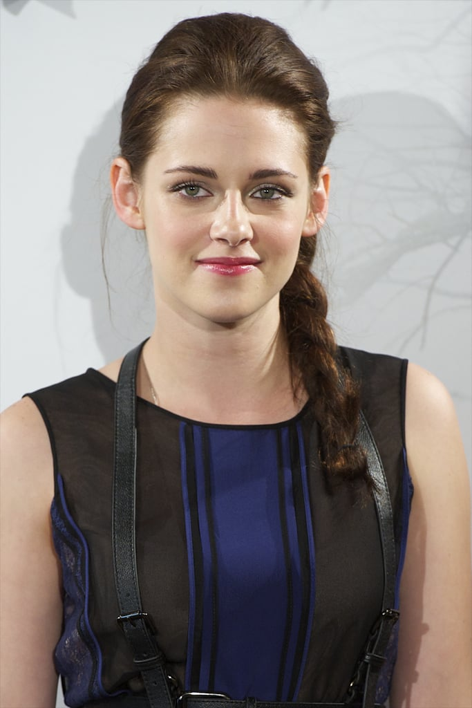 Kristen finished off her daring look with pink lips and a pretty side braid.
