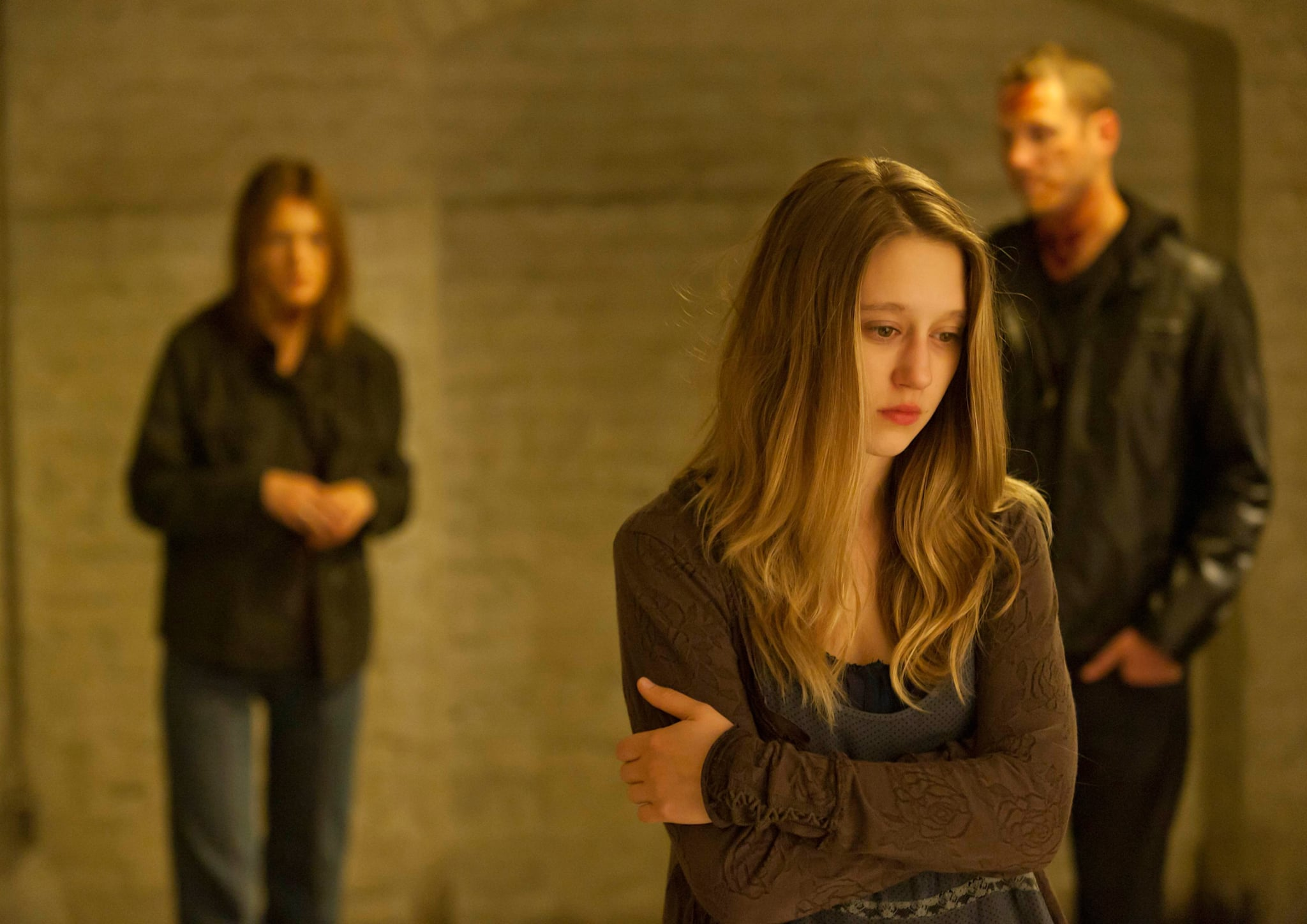 AMERICAN HORROR STORY: MURDER HOUSE, center front: Taissa Farmiga in 'Piggy, Piggy' (Season 1, Episode 6, aired November 9, 2011), 2011-, ph: Ray Mickshaw/FX Networks/courtesy Everett Collection