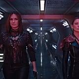 Mariska's gloves. Ellen's necklace. This power duo is epic.