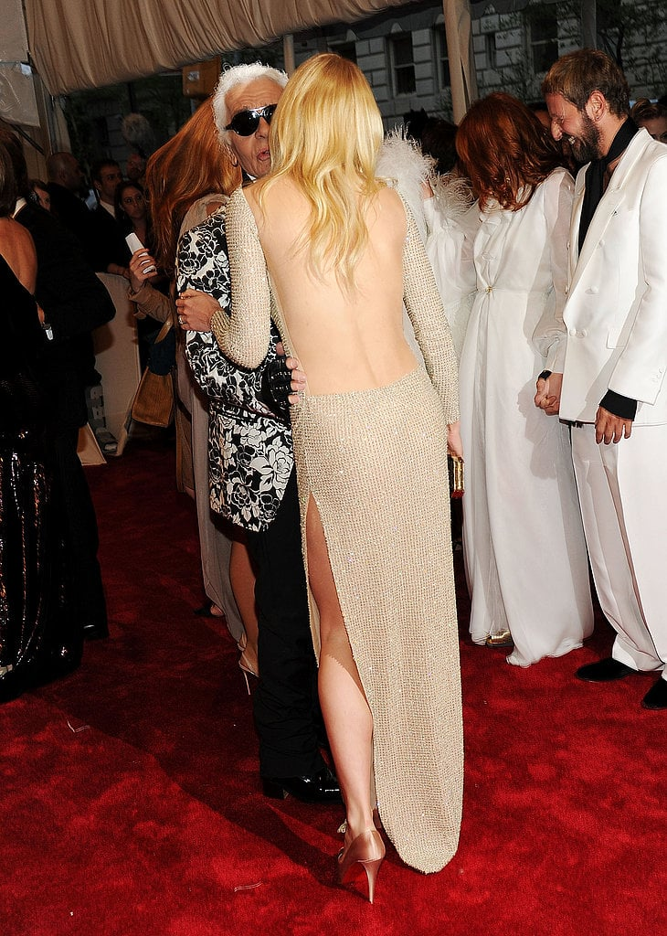 A scintillating back shot of Gwyneth.