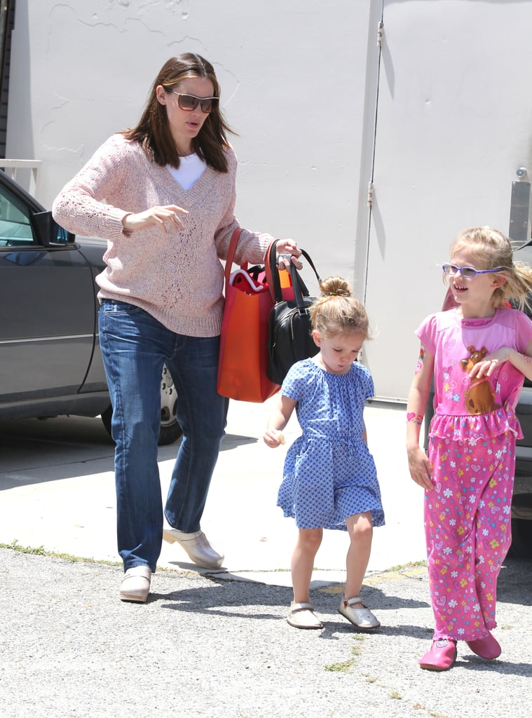 Jennifer Garner, Ben Affleck, and Daughters Pictures in LA ...