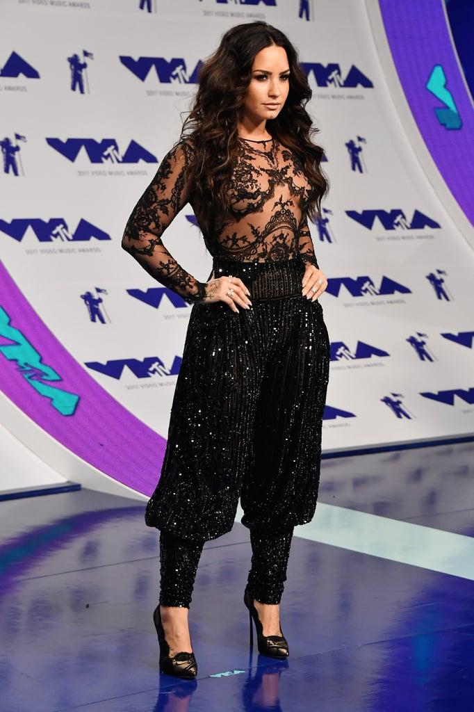 Demi Lovato's Harem Pants at the MTV VMAs 2017