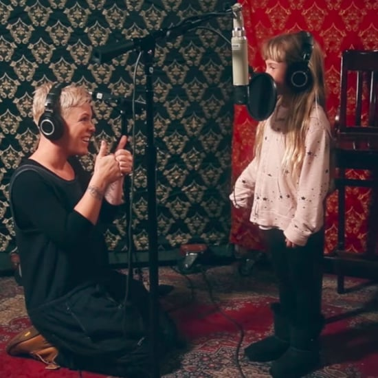 "Pink and Willow Hart Sing ""A Million Dreams"" Together Video"