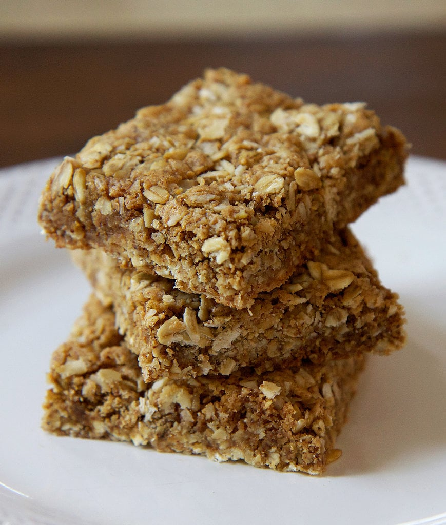 Almond Oatmeal Protein Bars