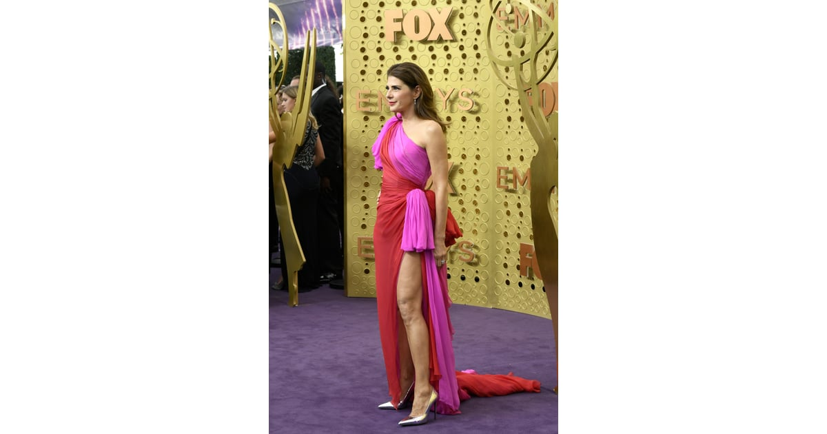 Marisa Tomei's Dress at the 2019 Emmys | Red and Pink ...