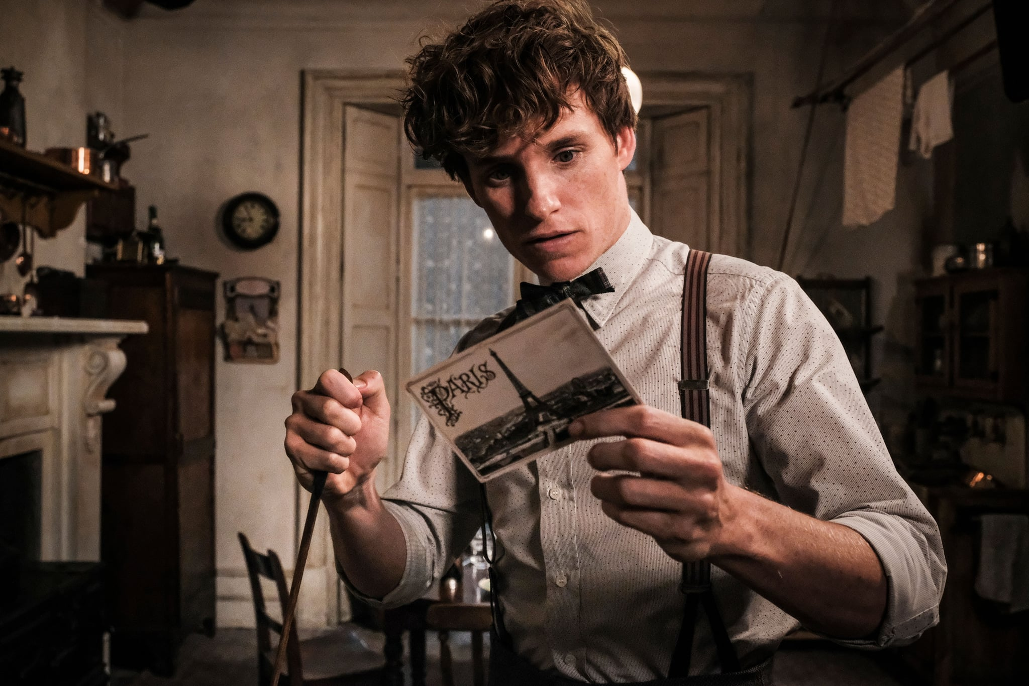 FANTASTIC BEASTS: THE CRIMES OF GRINDELWALD, Eddie Redmayne, 2018. ph: Jaap Buitendijk / 2018 Warner Bros. Ent.  All Rights Reserved.Wizarding WorldTM Publishing Rights  J.K. Rowling WIZARDING WORLD and all related characters and elements are trademarks of and  Warner Bros. Entertainment Inc. /Courtesy Everett Collection