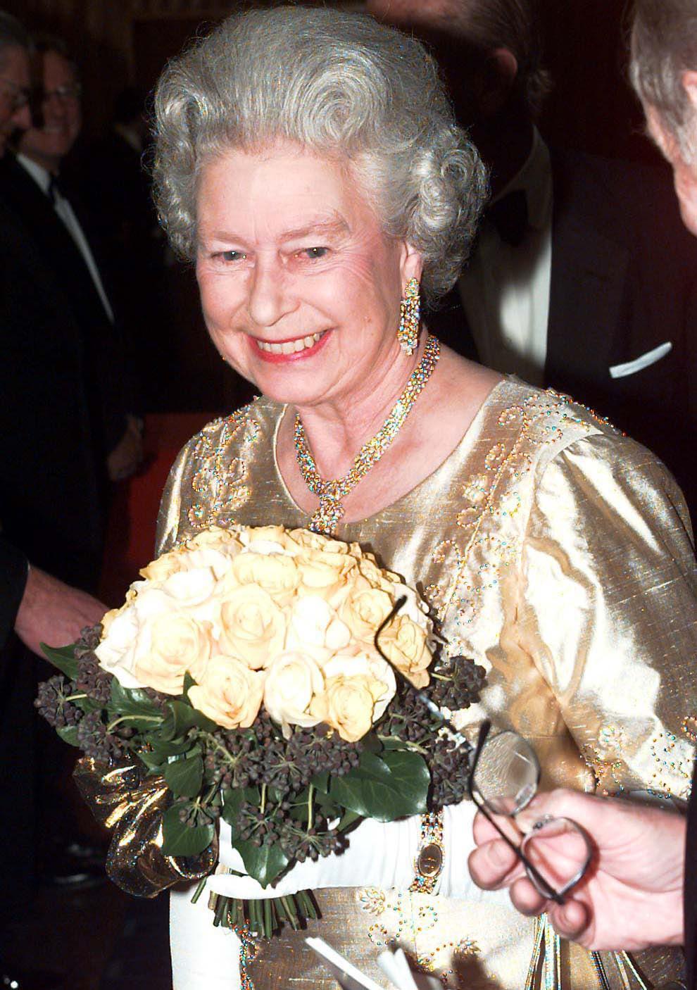 Queen Elizabeth Ii Celebrates Her Golden Wedding Anniversary In 1997 In Honor Of Queen Elizabeth Ii S 94th Birthday Here Are 94 Truly Special Photos Popsugar Celebrity Photo 32