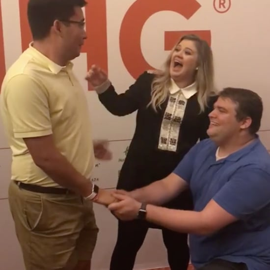 Kelly Clarkson Helps a Couple Get Engaged June 2017