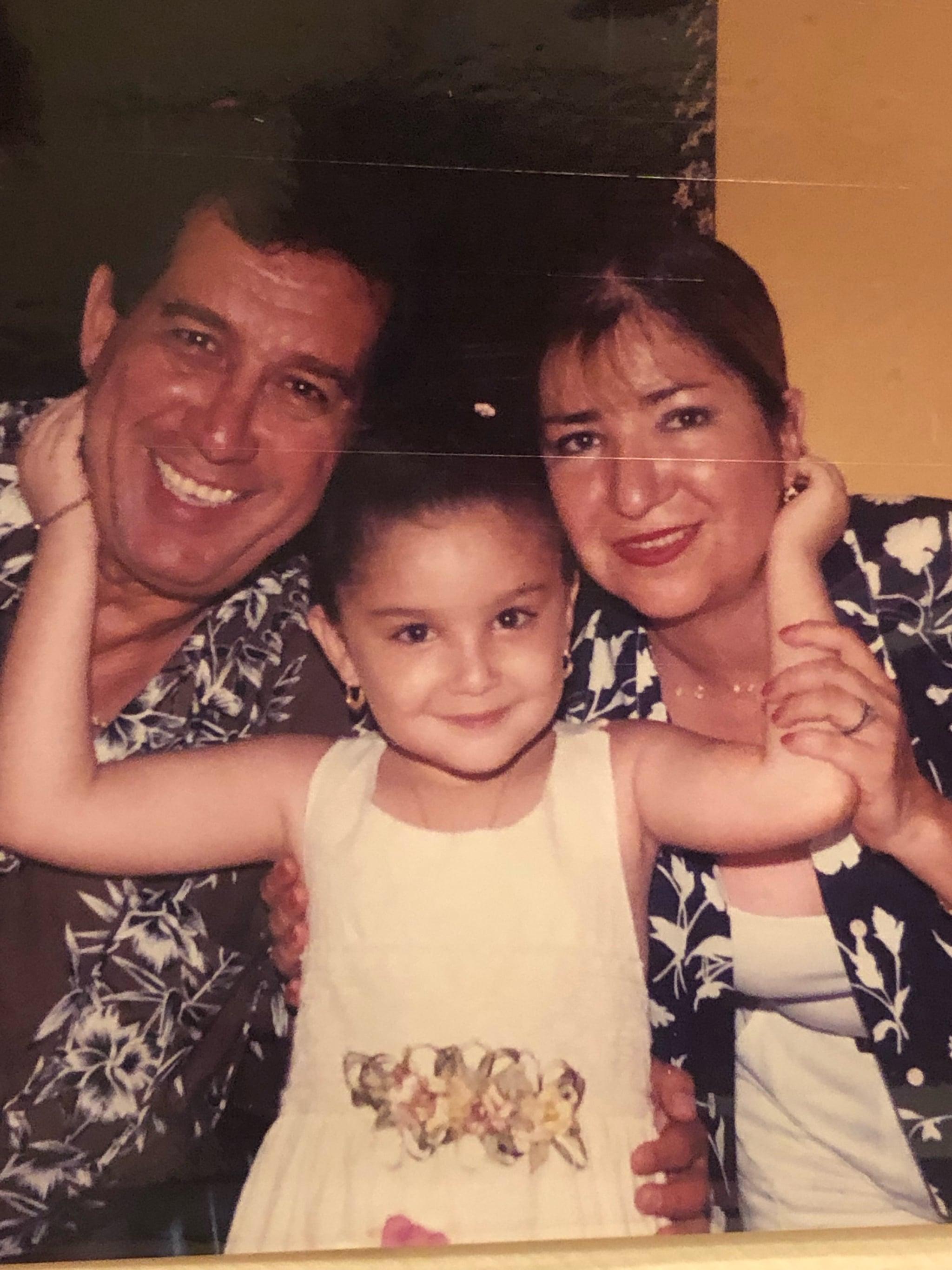 tmp_qEmooV_9d9e2ebfafb5b4b9_Picture_of_Elsa_With_Parents.jpg