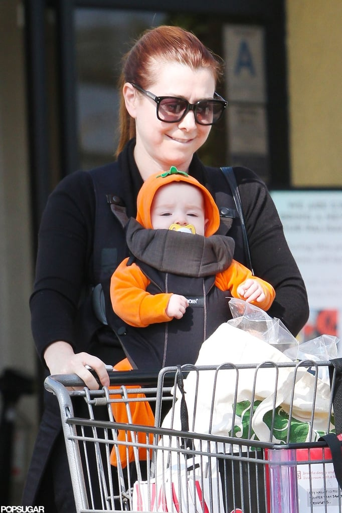 Alyson Hannigan dressed Keeva Denisof in a pumpkin costume as she ran to a grocery store in LA.