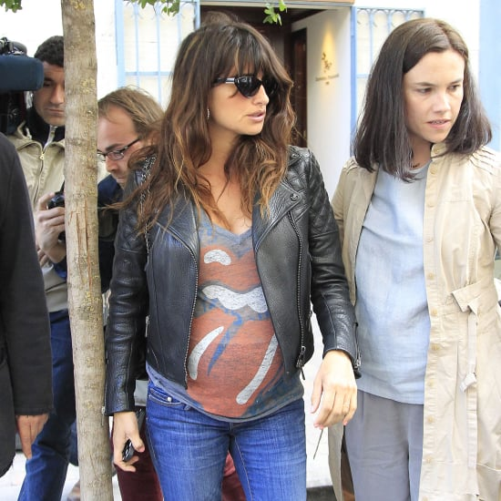 Pregnant Penelope Cruz Shows Baby Bump | Pictures