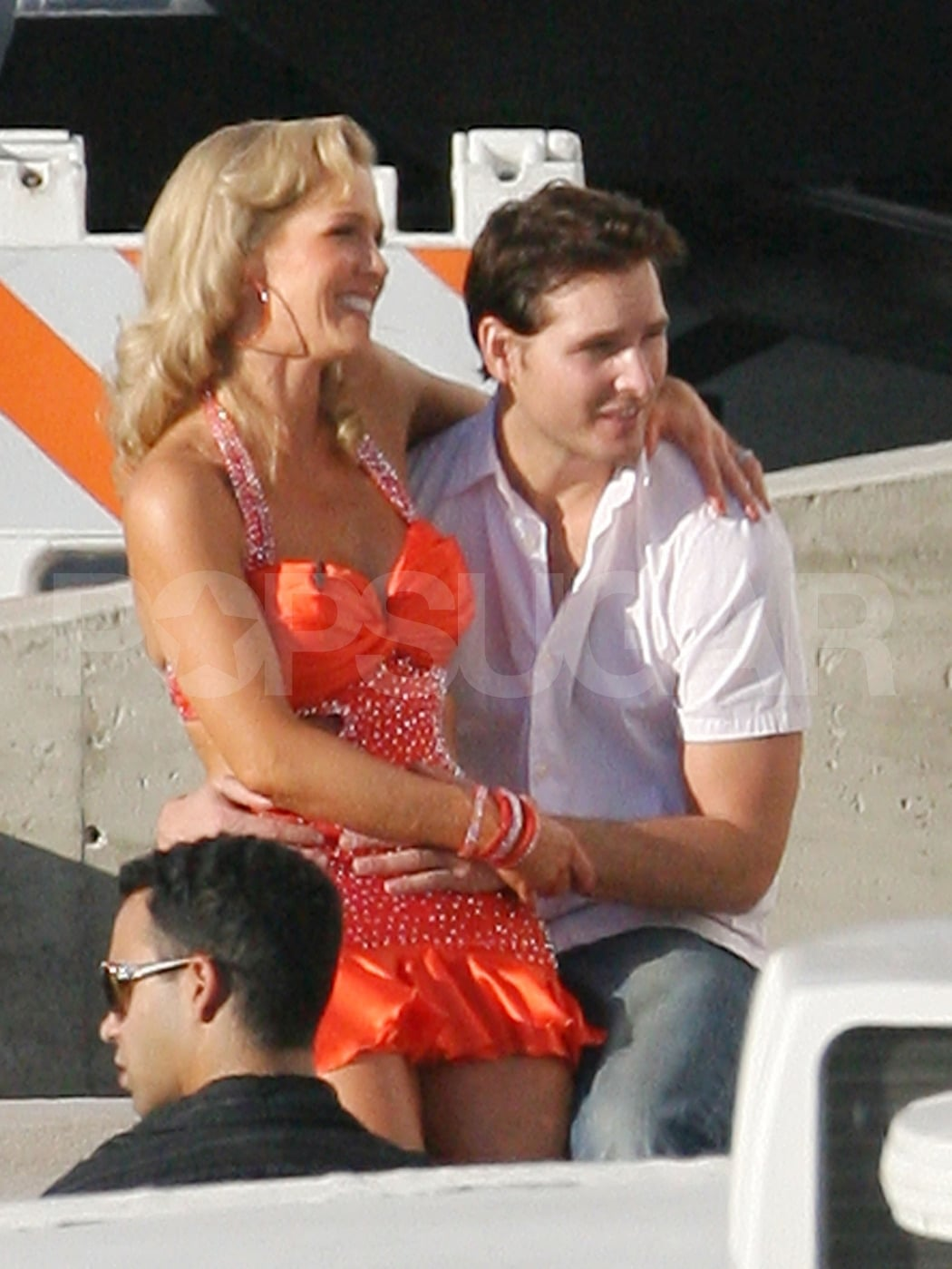 Peter Facinelli and Jennie Garth hung out between takes of her show Dancing With the Stars in Oct. 2007.